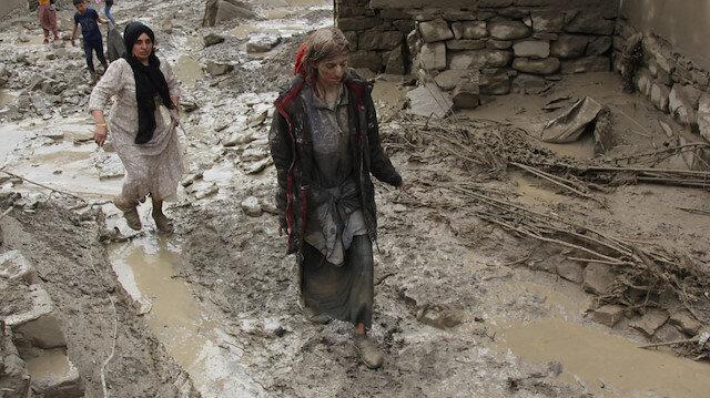 Van'da sel felaketi nedeniyle 5 ev yıkıldı