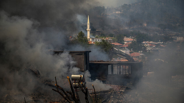 Yangınlarda hayatını kaybedenlerin sayısı 7'ye yükseldi