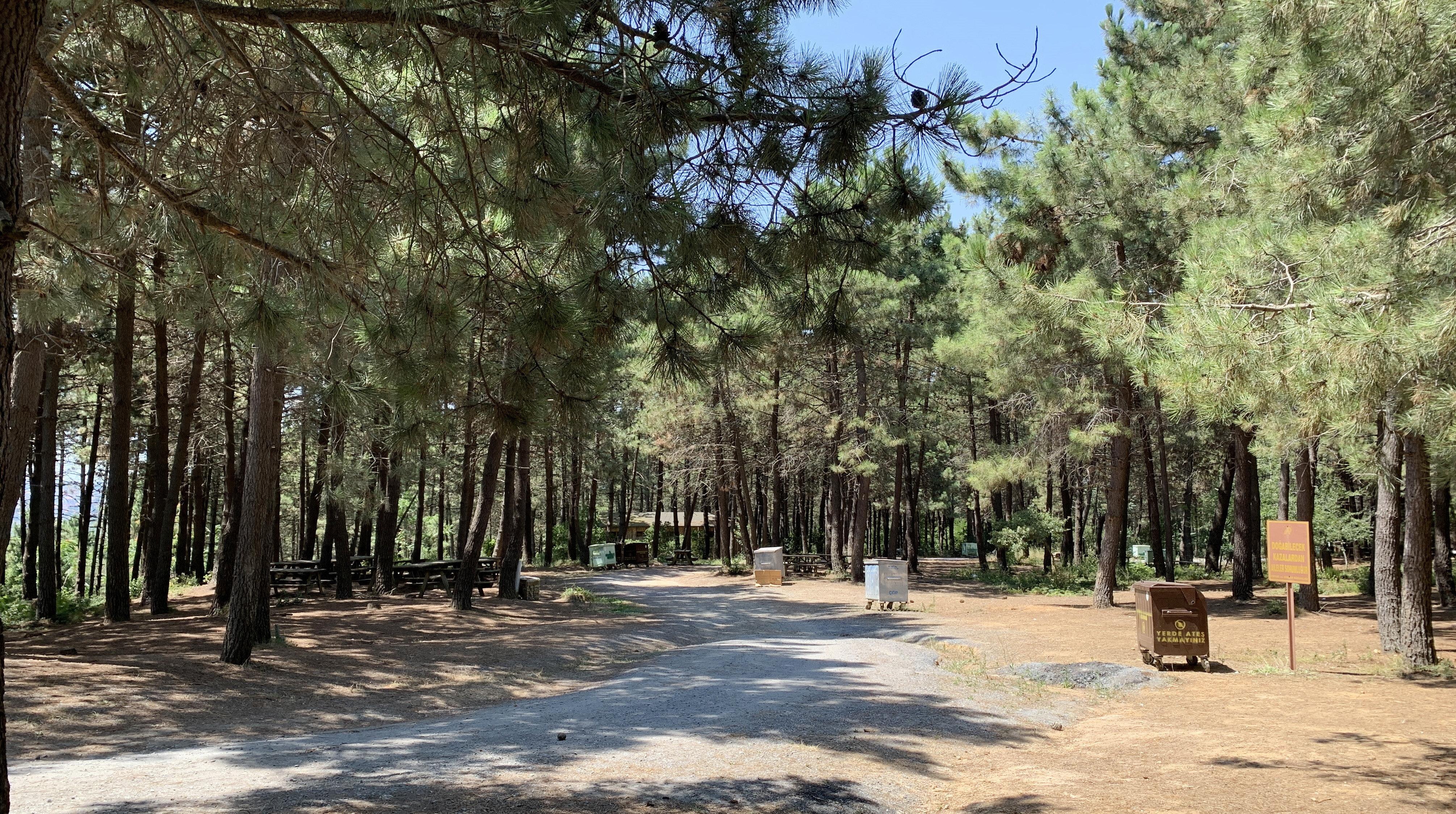 Pazar günü İstanbul'da mesire alanlarının sakin olduğu gözlendi.