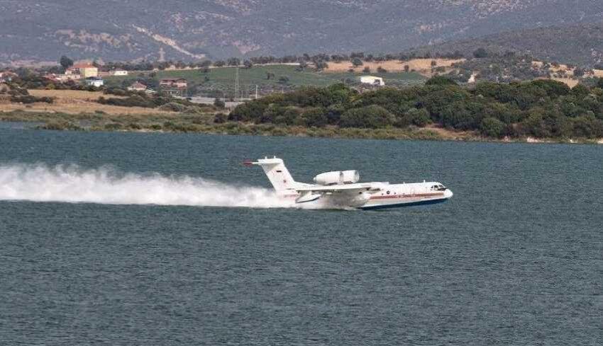 Türkiye'de kullanılan Rus üretimi BE-200 yangın söndürme uçakları.