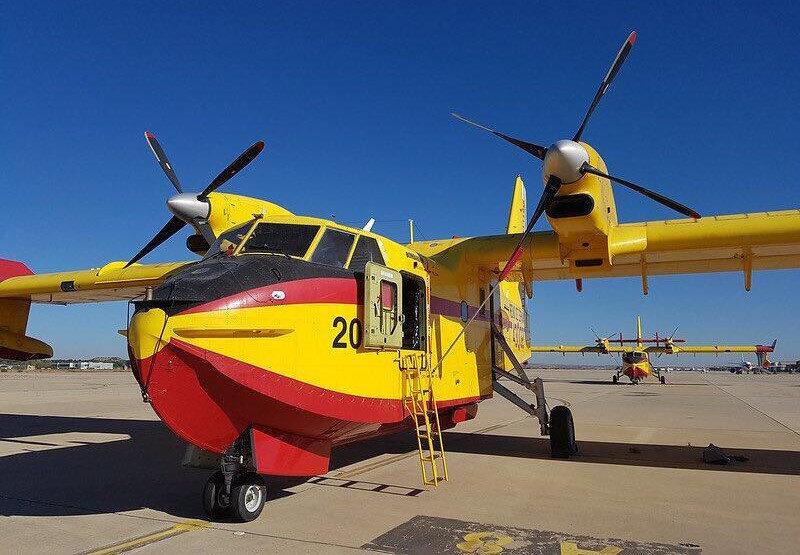 Yunanistan filosundaki CL-215'ler yangınla mücadelede geri plana çekildi.