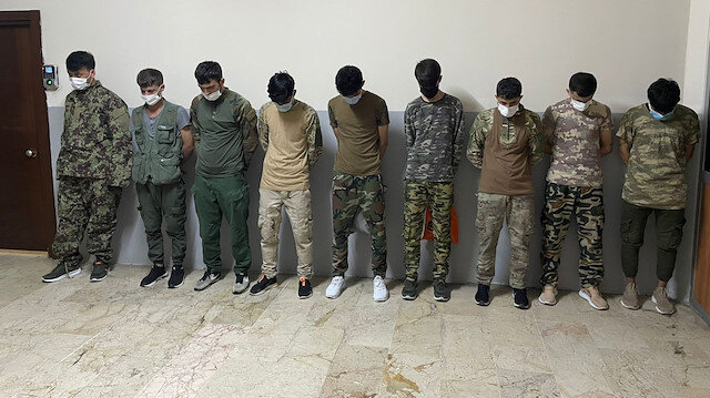 Zeytinburnu sahilde asker kıyafetiyle gezen 9 Afgan sınır dışı ediliyor