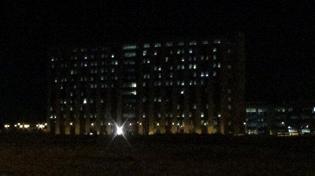 Diyarbakır'da korkutan görüntü: Neredeyse tüm odaların ışıkları yanıyor