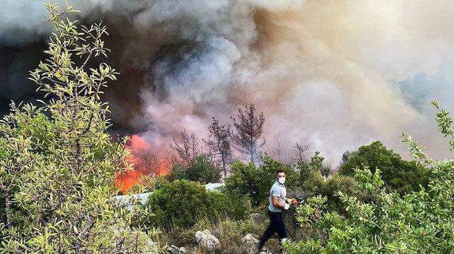 Orman yangınlarında son durum: 5 ilde 13 yangın devam ediyor