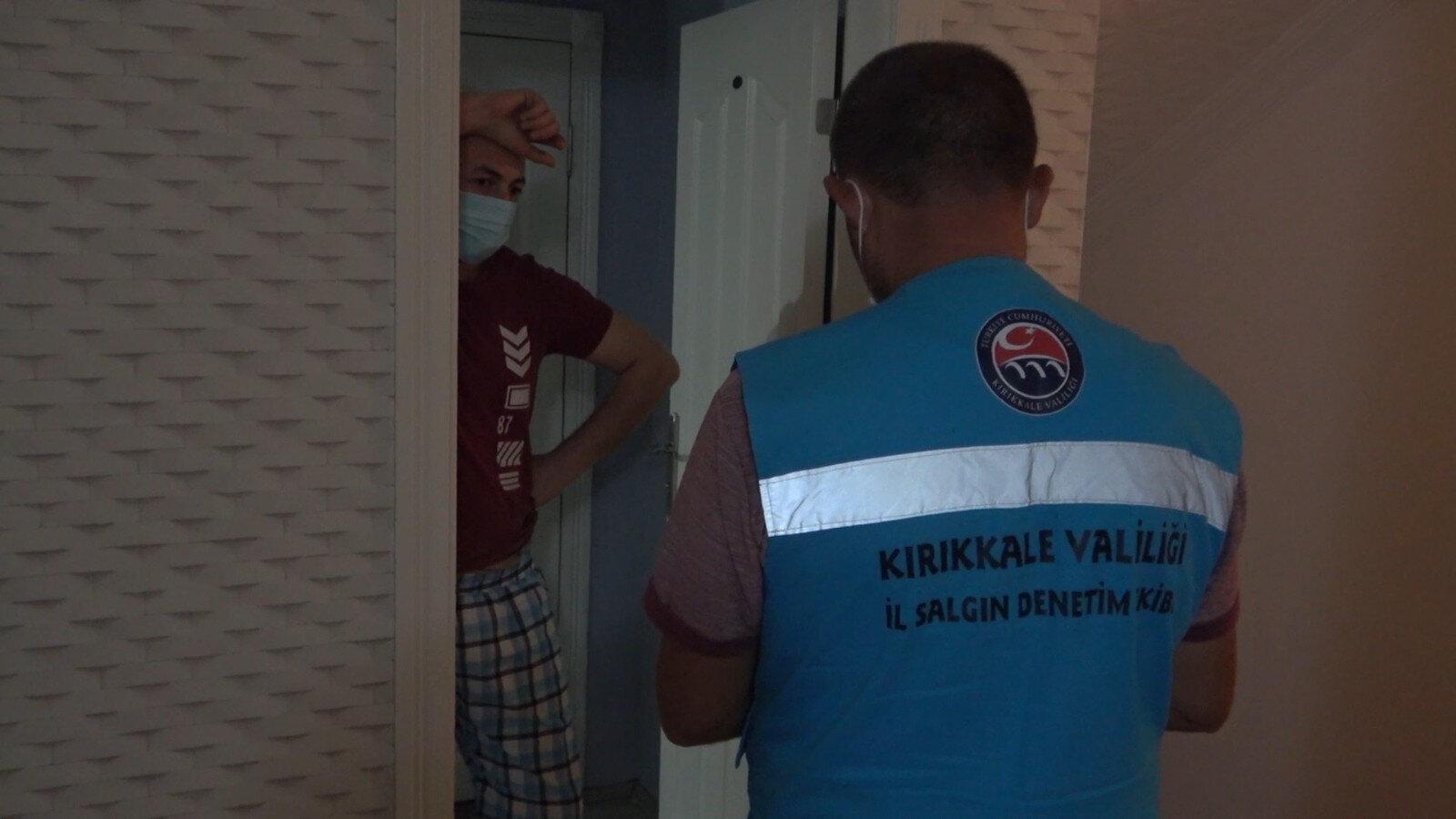 Otel odasında tespit edilen korona virüs hastasına 4 bin 50'şer lira idari para cezası uygulandı.