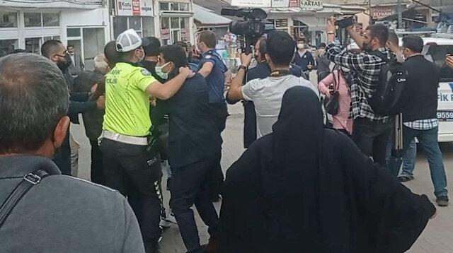 Meral Akşener bu kez Sivas'ta protesto edildi: 'FETÖ'cünün kralı' diye bağırıp istifaya çağırdı