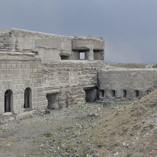 Tarihi tabyanın betonlarını kestiler