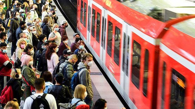 Alman makinistler greve gitti istasyonlar doldu taştı: Usanmış durumdayız