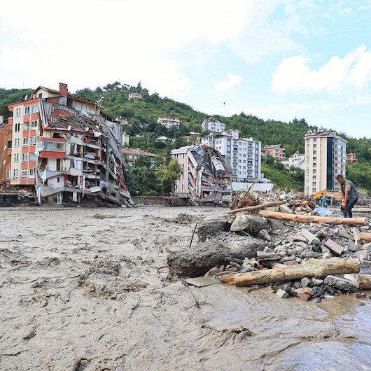 Sel felaketinde can kaybı 62'ye çıktı