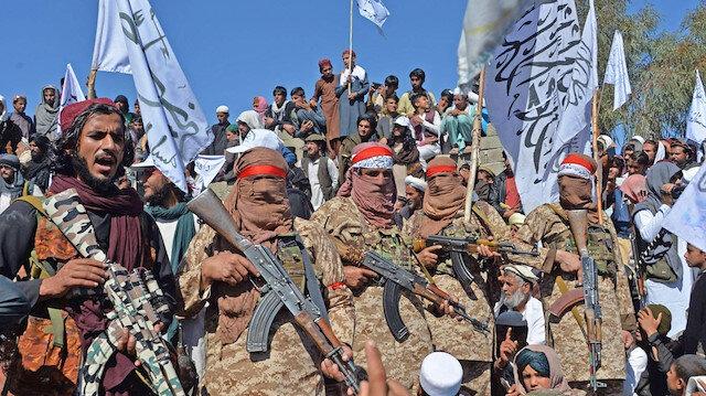 Taliban Afganistan'da 34 vilayet merkezinden 25'ini ele geçirdi