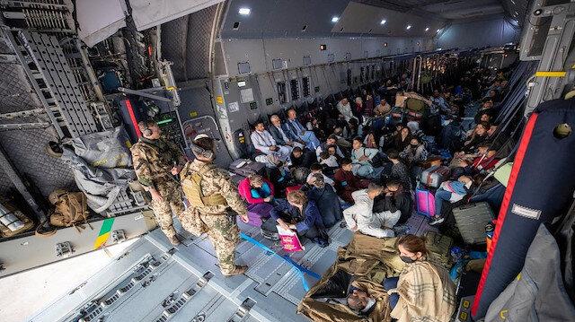 Avustralya Afganistan'daki vatandaşlarını tahliye etmeye başladı