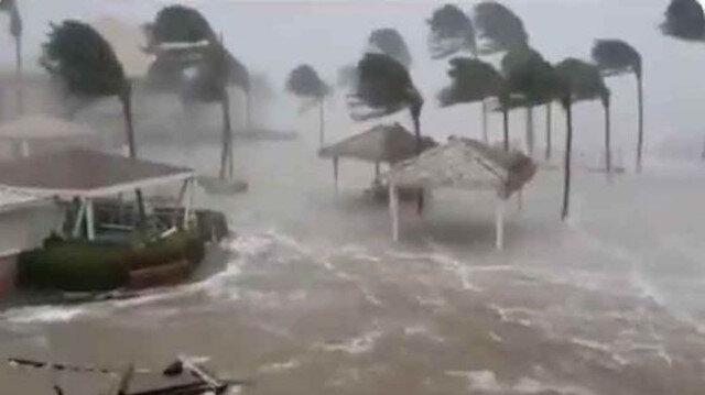 Grace Kasırgası Meksika'yı vurdu: 8 ölü