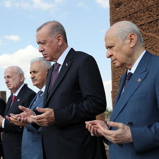 Cumhurbaşkanı Erdoğandan Selçuklu Meydan Mezarlığına ziyaret