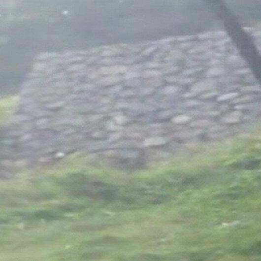 Artvinde şiddetli yağmurda istinat duvarı böyle çöktü