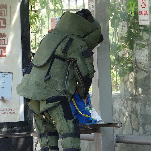 Çanakkale'de otobüs durağındaki şüpheli çanta patlatılmadan müdahale etti