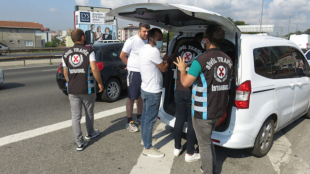 İstanbul'da çakarlı araç denetimi: Kuralları ihlal edenlere ceza kesildi