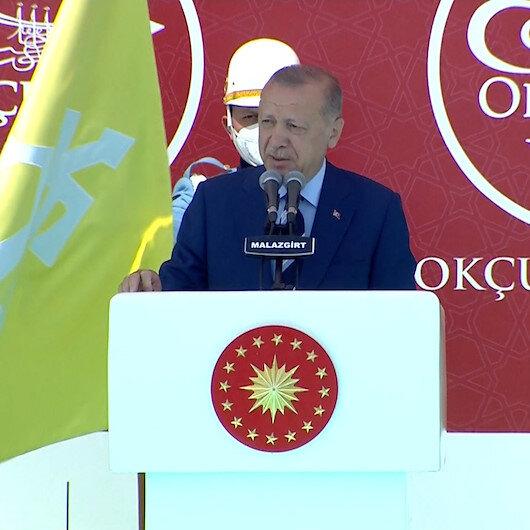 Cumhurbaşkanı Erdoğan Malazgirtte konuştu: Büyük ve güçlü Türkiye yolunun kesilmesine rıza göstermeyeceğiz