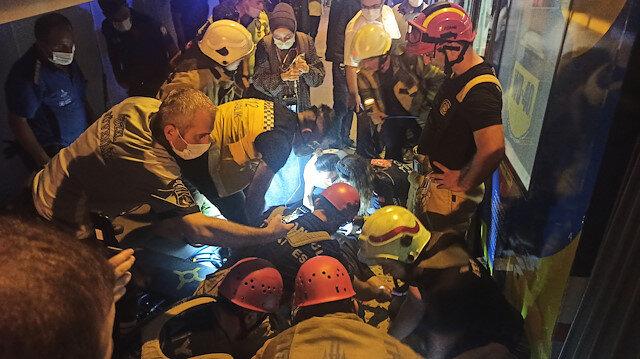 Aksaray durağında peron ile tramvay arasına sıkışan kişi kurtarıldı