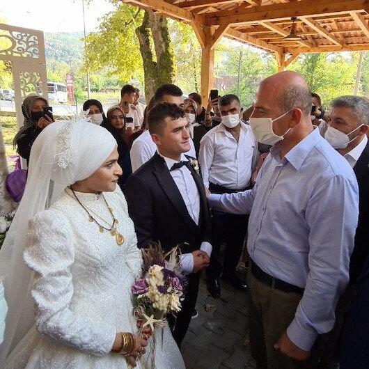 Bakan Soylu Libyadan dönen uzman çavuşun düğününe katıldı