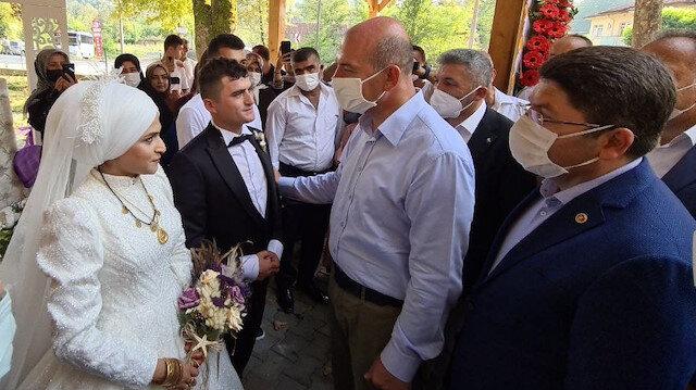 Bakan Soylu Libya'dan dönen uzman çavuşun düğününe katıldı