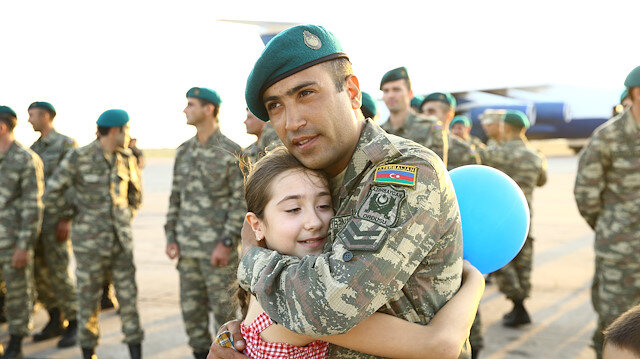 Afganistan'da görev yapan Azerbaycan askerleri Bakü'ye döndü