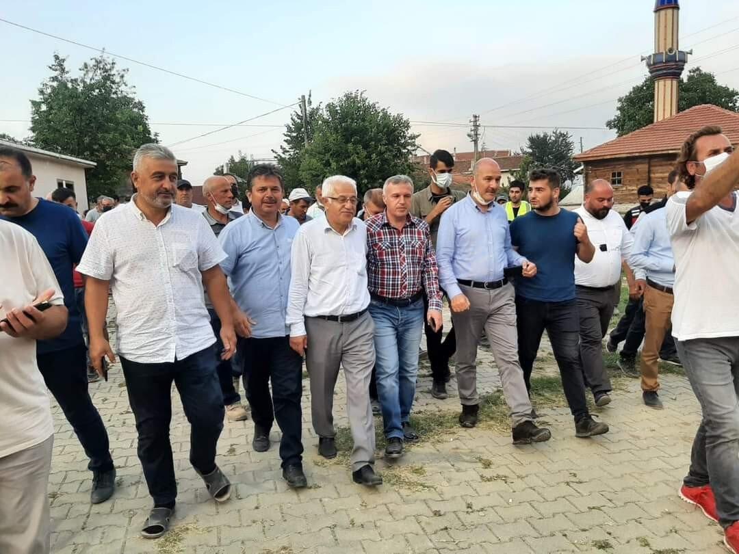 Selzedelerden Bakan Soylu'ya sevgi seli: İlk defa bir İçişleri Bakanı  köyümüzü ziyaret ediyor - Yeni Şafak