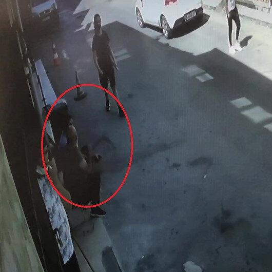 Bursada dükkanının önünde oturan esnaf kurşunlara hedef oldu