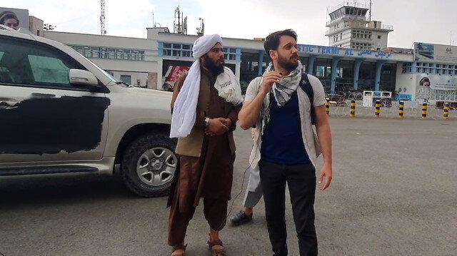 Yeni Şafak'ın Kabil Havalimanı'nda Taliban istihbarat görevlisiyle röportajı sırasında ABD'nin zaman ayarlı bombaları patladı