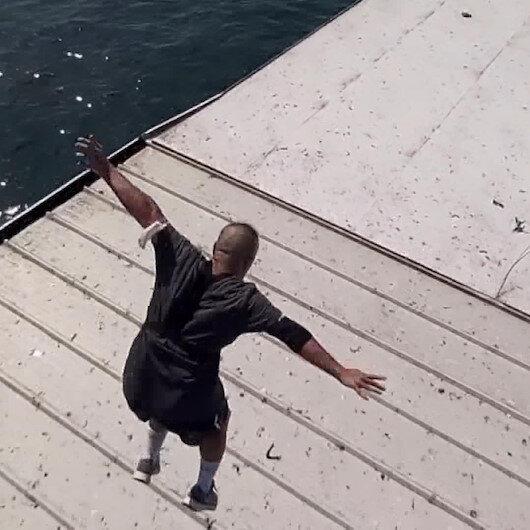 Tık uğruna canını hiçe saydı: Galata Köprüsünden gemiye atladı