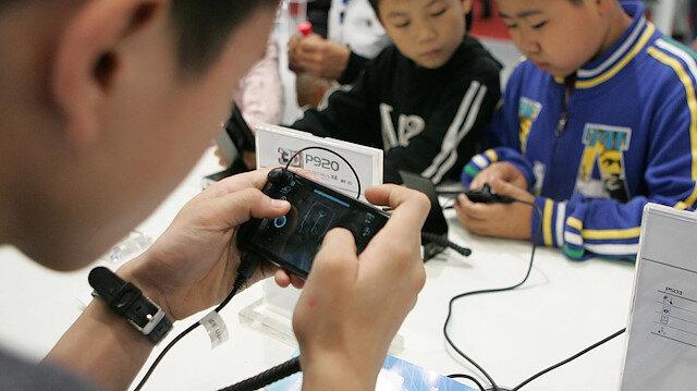Çin çocukların oyun süresini haftalık 3 saatle sınırlandırdı