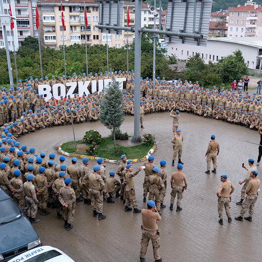 Komandolardan Bozkurt'a marşlı veda: Çatakta, batakta, Bozkurt'ta daima göreve hazır!