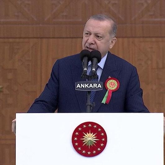 Cumhurbaşkanı Erdoğan: Yargının darbecilere selam duran adalet temsilcilerinin elinde zulüm makinesine dönüştüğünü hep birlikte gördük