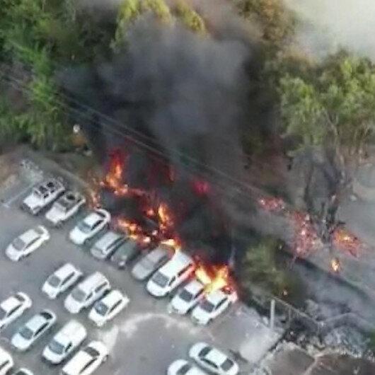 İsrailde parkta çıkan yangın araçlara sıçradı: 7 otomobil küle döndü