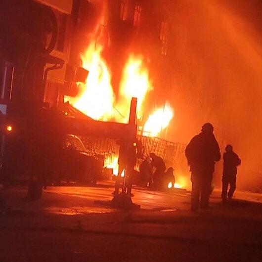 İkitellide kolonya ve dezenfektan üretimi yapan iş yerinde yangın: Ekiplerin müdahalesi sürüyor
