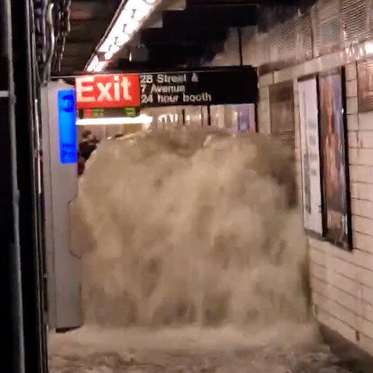 New York sular altında: Sel suları insan boyunu aştı