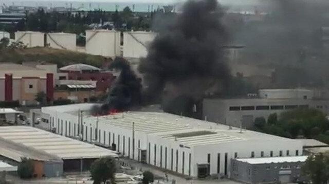 Bakırköy'de fabrika yangını