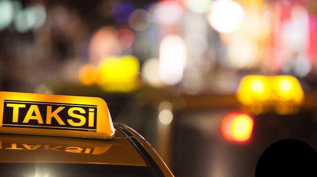 Taksici 30 TL'lik mesafeye 100 euro istedi, itiraz edince darp edildiler