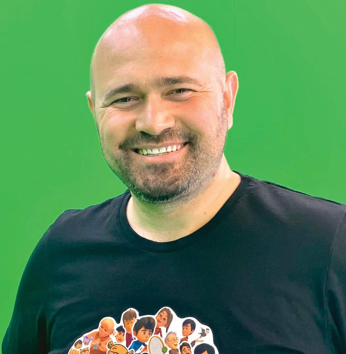 Çizgi dizinin yapımcısı ve yönetmeni İsmail Fidan
