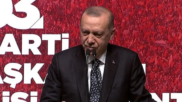 Erdoğan: Meral hanım sen bu geziciler ile berabersin yolun açık olsun