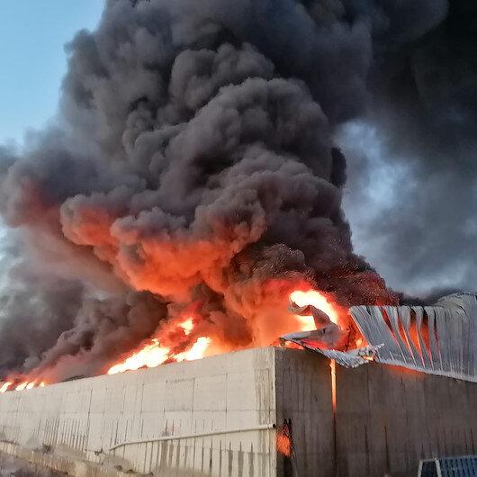 Silivride plastik fabrikasında yangın