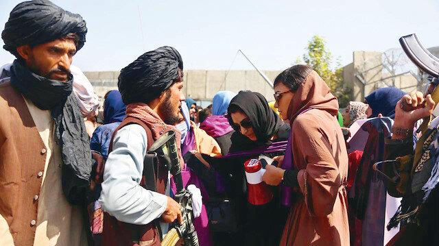 Afgan kadınlardan Taliban'a çağrı: Haklarımızı açıklayın