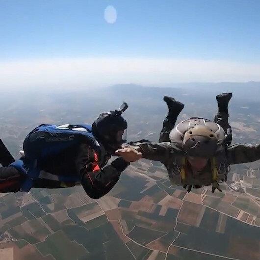MSBnin Askeri Serbest Paraşüt Eğitimi sürüyor