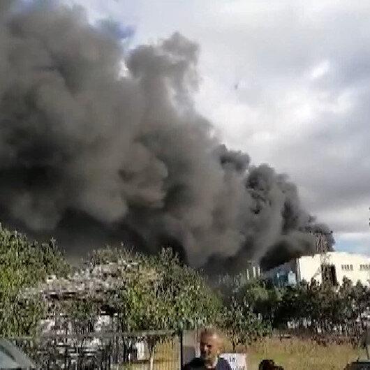 Silivride fabrika yangını: Gökyüzü dumanla kaplandı