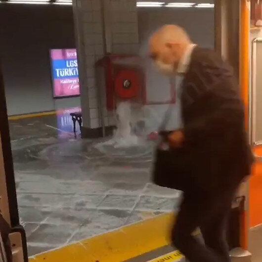 Aksaray metro istasyonu sular altında: Yangın söndürme hortumuna bağlı olan boru patladı