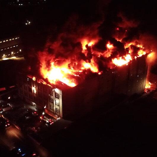 Arnavutköyde tekstil fabrikasında büyük yangın