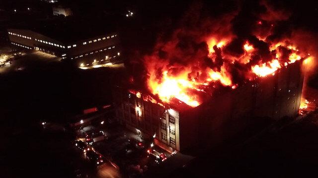 Arnavutköy'de tekstil fabrikasında büyük yangın