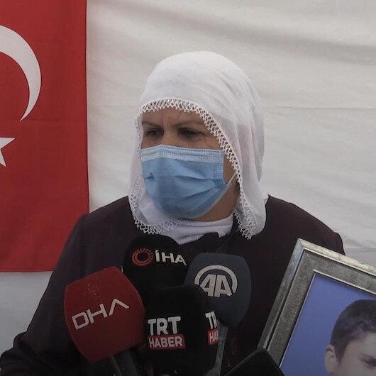 Muş HDP binası önündeki annelerin feryatları dinmiyor: 15 yaşında çocuğumu kaçırdılar taşta mı yatıyor toprak mı yiyor bilmiyorum