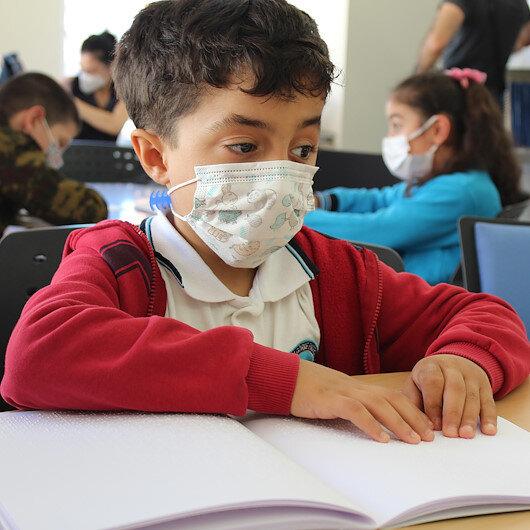 Bilge Çocuk görme engelli öğrencilerin yanında: Braille alfabesiyle oluşturulmuş 2nci özel sayı yayınlandı