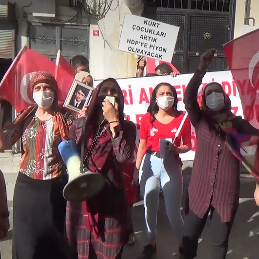 HDPliler eylem yapan annelerin sesini müzikle bastırmaya çalıştı