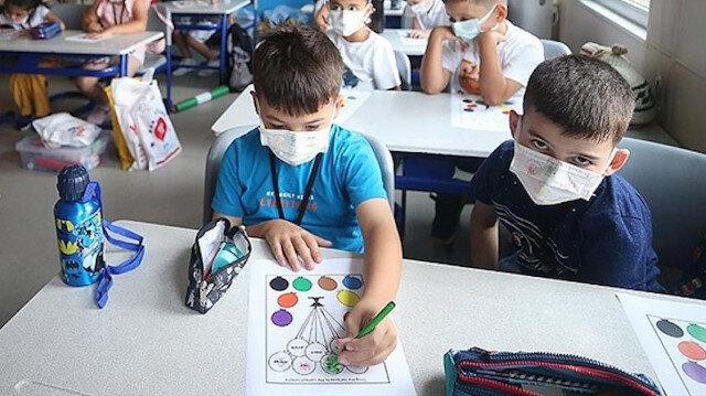 Sağlık Bakanı Koca'dan okullarda PCR testi açıklaması: Velilerin onayı alınacak